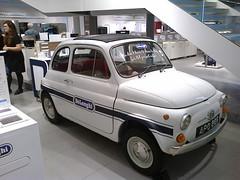 Fiat 500 @ John Lewis, Birmingham, 2015 (ukdaykev) Tags: car birmingham classiccar fiat 500 johnlewis fiat500 birminghamuk delonghi classictransport apo86g