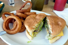 Onion Rings and Chile Cheeseburger, Arrey, New Mexico (RV Bob) Tags: chile newmexico gimp cheeseburger onionrings greenchile arrey greenchilecheeseburger arreycafe