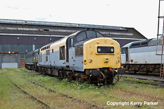 Old Oak Common (Kerry Parker (KP)) Tags: london factory shed railway depot gwr englishelectric class37 oldoakcommon 37175
