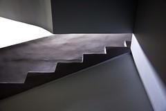 Démarche artistique (Gerard Hermand) Tags: 1507267235 geométrie gerardhermand france paris eos5dmarkii architecture escalier geometry light lumiere staircase canon