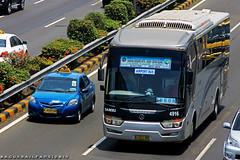 DAMRI Airport bus Legacy Sky (BagusRailfans photo) Tags: bus mercedes benz mas body agra jakarta bis hino aptb transjakarta damri bismania primajasa arimbi