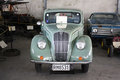 RM 8531 (ambodavenz) Tags: morris series e classic car geraldine vintage machinery museum crank up south canterbury new zealand
