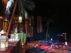 IMG_2253 - copie (Animation Concept) Tags: sultan baladi mille et une nuits shisha th  la menthe salon tapis marocain aladin palmier bouddha
