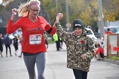 2016 Remember Run (runwaterloo) Tags: rememberrun aruntoremember lestweforget 2016rememberrun5km 2016rememberrun11km runwaterloo 391 favourites finishline julieschmidt photocontest