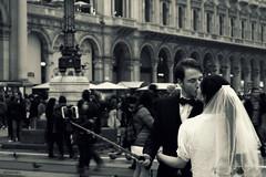 l'amore a Milano (alesolofoto) Tags: amore selfie milano lombardia italia citt piazzaduomo love autoscatto