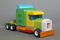 Duplo Truck (Robiwan_Kenobi) Tags: lego duplo truck lkw semi