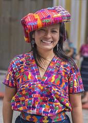 Traje Maya Santiago Sacatepéquez (erick.aspuac) Tags: guatemala traje maya colors portrait retrato santiago sacatepéquez sonya6000 sel16f28 sel50f18