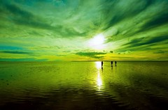 Tuz Gl 02 061_1 (Ozcan MALKOCER) Tags: sunset sky cloud sun man color reflection water horizontal turkey outdoors photography colorful trkiye saltlake 1020mm ankara ereflikohisar sereflikochisar canoneosdigitalrebelxti tuzgl0220091219 tuzgl020611