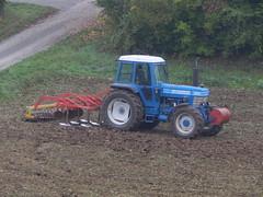 Ford 8210 bei der Arbeit (*Tom68*) Tags: tractor traktor bulldog acker trekker pflug