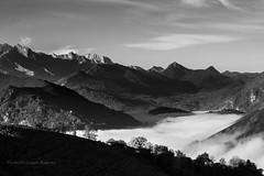 Paysage (rapetout14) Tags: white black france montagne landscape noiretblanc nb nuages paysage brume pyrnes midipyrnes croixblanche arrodets