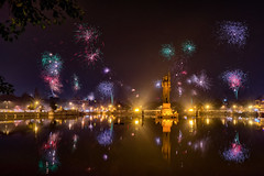 Fireworks over Sursagar (Hitarth Joshi) Tags: india lake reflection beautiful festival lights amazing asia fireworks diwali hindu gujarat deepawali vadodara sursagar