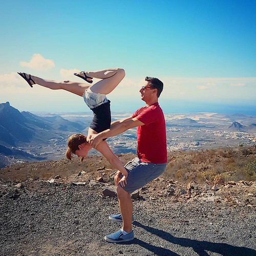 High above the clouds.   Flyer @tink_d  Base @hyperhamlet  #acroinspiration #acro #acrobatics #acroyoga #acrobalance #acrovinyasa #balance #gymnasticbodies #circusinspiration #circus #circusskills #corestrength #instagood  #flexibility #instayoga #instafi