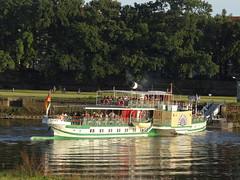 Dresden-0110_1 (pischty.hufnagel) Tags: dresden elbe dampfschiff dampfschifffahrt kurort rathen wende schaufelraddampfschiff schaufelraddampfer