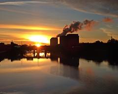 Clyde Puffer (Bricheno) Tags: sunrise glasgow river clyde riverclyde reflections bridge bricheno scotland escocia schottland écosse scozia escòcia szkocja scoția 蘇格蘭 स्कॉटलैंड σκωτία