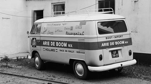 "UF-79-17 Volkswagen Transporter bestelwagen 1964 • <a style=""font-size:0.8em;"" href=""http://www.flickr.com/photos/33170035@N02/30499764074/"" target=""_blank"">View on Flickr</a>"