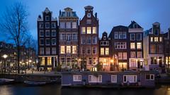 Amsterdam (Yann OG) Tags: amsterdam paysbas hollande canal canaux heurebleue bluehour 169 dusk crépuscule nuit night cityscape architecture