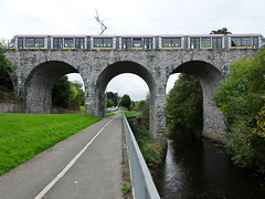 Luas crossing the Nine arches bridge, Milltown (turgidson) Tags: panasonic lumix dmc g7 panasoniclumixdmcg7 panasonicg7 micro four thirds microfourthirds m43 g lumixg mirrorless olympus m zuiko digital ed 12mm f20 f2 olympusmzuikodigitaled12mmf20 prime lens primelens wide angle wideangle silkypix developer studio pro 7 silkypixdeveloperstudiopro7 raw p1060864 nine arches bridge ninearchesbridge milltown dublin ireland viaduct river dodder riverdodder green line greenline luas public transport publictransport light rail lightrail tram infrastructure transportinfrastructureireland alstom citadis alstomcitadis old new modern