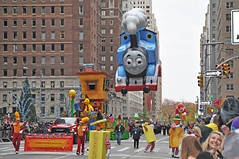 Sesame Street Float - Christopher Jackson - Thomas the Tank Engine - Macy's 2016 Thanksgiving Day Parade (D'OtherPix) Tags: christopherjackson sesamestreet thomasthetankengine macys2016thanksgivingdayparade
