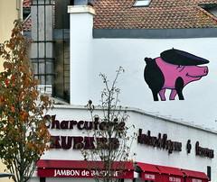 Le Cochon au bret basque (Thethe35400) Tags: porc pig cerdo maiale porco jambon basque txerri