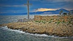 Peiraiki (Love me tender ♪¸.•*´¨´¨*•.♪¸.•*´) Tags: dimitrakirgiannaki photography flickr greece greek sea seascape blue colors peiraiki piraeus attica planet earth landscape sky clouds rocks waves cross christians ελλαδα πειραικη πειραιασ 2016 φθινοπωρο τοπιο θαλασσα κυμμα νερο μπλε συννεφα ουρανοσ αττικη ευρωπη σταυροσ χριστιανοσυνη βραχια autumn mountains βουνα
