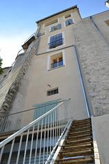 Fentres sur la Durance, Sisteron , 04 (RarOiseau) Tags: alpesdehauteprovence sisteron ladurance ville escalier vieilleville btiments