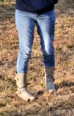 2016-11-19 (4) Nike Park Turf, Great Falls VA (JLeeFleenor) Tags: photos photography va virginia nikepark greatfalls girls woman femme frau vrouw donna lamujer dona امرأة жена 女子 žena kvinde nainen γυναίκα האישה nő औरत wanita 女性 여자 kvinne زن kobieta mulher женщина kvinna หญิง kadın жінка ngườiphụnữ boots shoes footwear footgear outside outdoors jeans