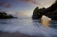 The Voices of Tides (hendri.arba) Tags: gnd bali tanah lot