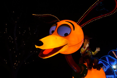 "Slinky Dog in the Paint the Night Parade • <a style=""font-size:0.8em;"" href=""http://www.flickr.com/photos/28558260@N04/20695645981/"" target=""_blank"">View on Flickr</a>"