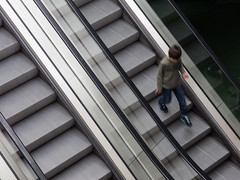 2014-04-21 (schauplatz) Tags: stuttgart escalator rolltreppe movingstaircase tagesfoto