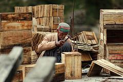 Building apple crates (f/4) Tags: india manali cannabis himachal tosh kullu hashish pradesh charas parvati