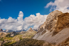 Verso il rifugio Locatelli (marypink) Tags: summer sky mountains clouds landscape pov unescoworldheritage paesaggio dolomitidisesto rifugiolocatelli nikond800 nikkor1635mmf40 percorsodelletrecime