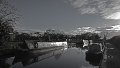 Grindley Brook canal. (Lee1885) Tags: sky bw reflection water boat canal crt nikon shropshire union staircase locks brook narrowboat towpath grindley