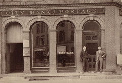 City Bank of Portage, Old Exterior Photo
