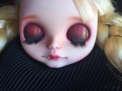 Blythe custom #105 commission ( vivia custom dolls and accessories ) Tags: blythe doll custom sweet vampire lips fangs eye eyechips eyechipsforblythe lids chips