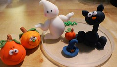 Halloween sugar figures (eMillicake) Tags: halloween cake toppers