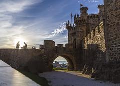 Castillo de los Templarios Ponferrada (Eme Foto Bierzo) Tags: ponferrada templarios muro muros torres piedra castillo castillodelostemplarios edadmedia caballeros bierzo elbierzo castle puestadesol
