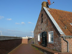 the dyke house (achatphoenix) Tags: rheiderland eastfrisia ostfriesland autumn october