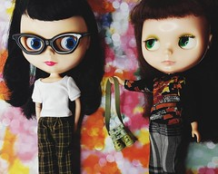 Anouk shares her binoculars with Frances, perfect for spying great Black Friday deals  PS. our biggest sale of the year starts tonight at midnight EST - save 35% off all in-store stock with coupon code BF2016  (endangeredsissy) Tags: blythe blythedoll 365blythe kennerblythe goldie allgoldinone endangeredsissy handmade cute kawaii