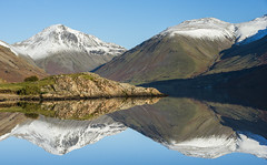 Wasdale mirror (Peter Henry Photography) Tags: water lake still reflection snow winter cold lakedistrict cumbria