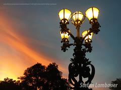 Santos sunset (Stefan Lambauer) Tags: brasil santos cityhall prefeitura luminária streetlighting lamp sky sunset pordosol stefanlambauer sãopaulo br