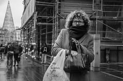 (Miguel Modrego) Tags: wow spain madrid frío cold street calle social urbana urban girl chica byn bn blanco y negro back white curly rizado nikkor nikon d7000 35mm viaje travel explorando exploring explore retrato candid protrait