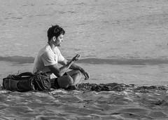 Sunset Comtemplation (Oliver Leveritt) Tags: nikond7100 afsvrzoomnikkor70300mmf4556gifed oliverleverittphotography hawaii waikiki waikikibeach beach sand man candid monochrome blackandwhite
