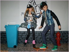 A-Z Challenge: U - urban streetwear (Mary (Mária)) Tags: barbie ken mattel dolls doll fashion urban streetwear outfit az azchallenge uurbanstreetwear u tris four divergent mary diorama scene 16 playscale street life