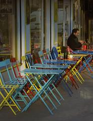 Terrasse en couleur (afantelin) Tags: cor couleurs colour caf rue street rua paris iledefrance