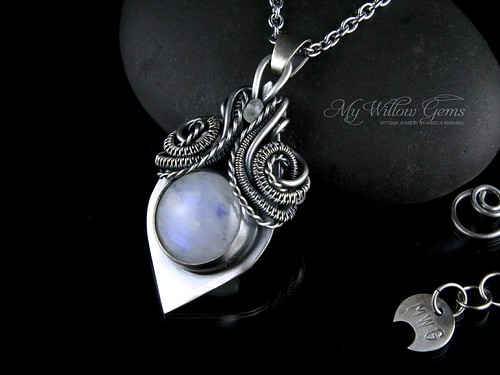 silversmith_wirewrapped_moonstone_mywillowgems_1