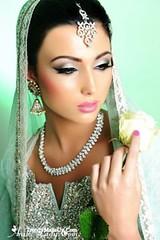 بالخطوات المصوره تعلمي وضع مكياج عيون كالمحترفات (Arab.Lady) Tags: بالخطوات المصوره تعلمي وضع مكياج عيون كالمحترفات