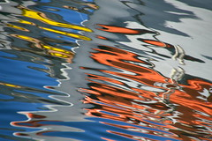 vertiges marins, tableau imaginaire (tableaux.imaginaires) Tags: sea mer abstract reflection art water colors eau reflet tableau astratto reflets abstact marins abstrait spiegelungen imaginaire vertiges reflessi boatrflections