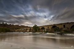Puente Mayor de Toro (Paco Fuentes Vicario) Tags: philosophyoflife puente toro puentemayor puentedetoro led largaexposición zamora nubes nd