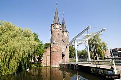 Oospoort - Delft (Stauromel) Tags: holland netherlands skyline port arquitectura delft holanda sauces melilla canon1dmarkii oospoort stauromel pwmelilla alquimiadigital