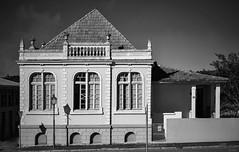 D71_4089 (3)-1 (A. Neto) Tags: d7100 nikon sigma sigmadc18250macrohsmos nikond7100 blackwhite bw monochrome architecture windows old house lapa
